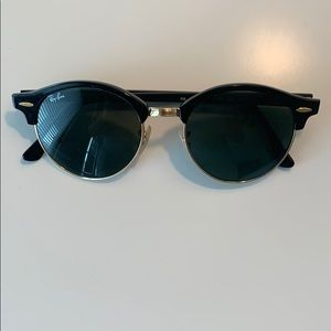Ray Ban black and gold round club master